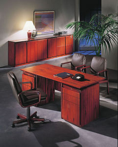 DYRLUND - apollo - Executive Desk
