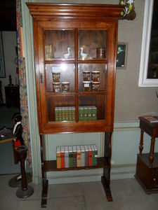 Loic Bougo - petite vitrine - Display Cabinet