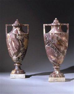 ANTOINE CHENEVIERE FINE ARTS - marble vases - Decorative Vase