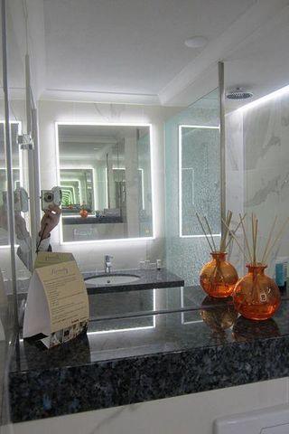 GLASSOLUTIONS France - Illuminated mirror-GLASSOLUTIONS France-MIRALITE REVOLUTION