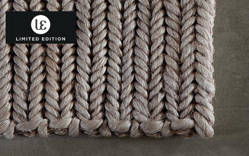 Limited Edition Teppich aus Pflanzenfaser Moderne Teppiche Teppiche  |