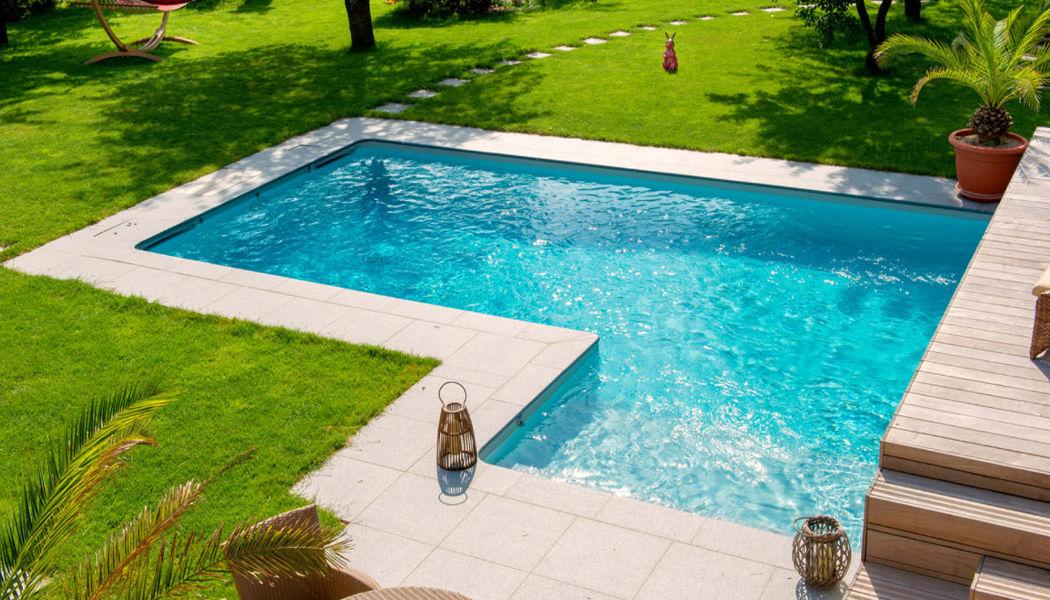 Aquilus Piscines Traditioneller Swimmingpool Schwimmbecken Schwimmbad & Spa Garten-Pool   Design Modern