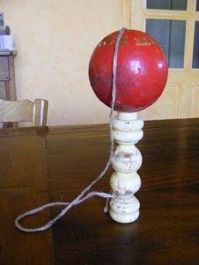Ardèche Brocante en ligne - bilboquet - Bilboquet (fang Die Kugel Spiel)