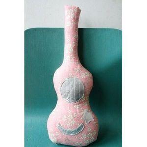 CREME ANGLAISE - crème anglaise - mini guitare hochet rose - - Rassel