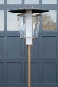 Kevin Reilly Lighting - lucerne - Gartenstehlampe