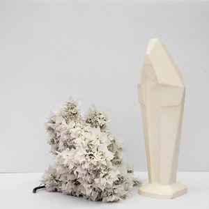 MONOCHROMIC -  - Skulptur