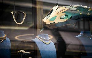 MARIANNE GUELY -  - Dekoration Für Schaufenster