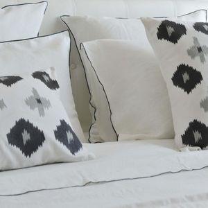 MAISON D'ETE - taie d'oreiller lin lavé blanc bourdon gris - Kopfkissenbezug