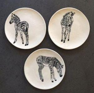 THREE SEVEN - zebra back - Flache Teller