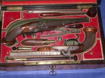 Patrice Reboul - paire de pistolets de duel à percussion de chaubet  - Pistole Und Revolver