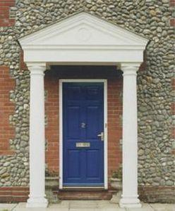 Stevensons Of Norwich -  - Säulenvorbau