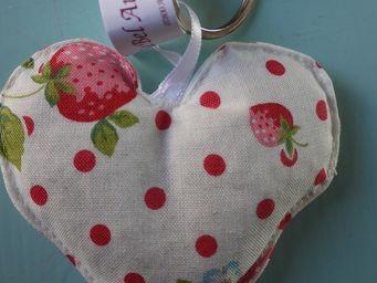 LE BEL AUJOURD'HUI - porte-clé coeur imprimé fraise - Schlüsselanhänger