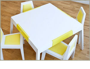 HEIRLOOM - a series - table - Kindertisch