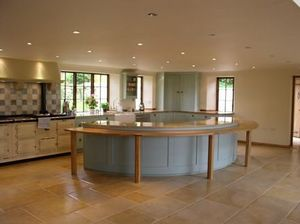 Woodchester Kitchens & Interiors -  - Traditionelle Küche