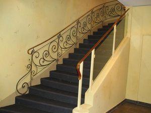 pique decor - rampe en trompe l'oeil fer forgé - Treppengeländer