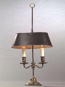 Bauermeister Antiquités - Expertise - flambeau couvert à deux bras de lumière - Bouillotte Lampe