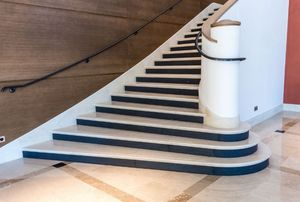 Occitanie Pierres -  - Viertelgewendelte Treppe