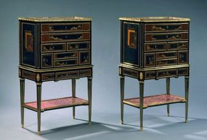 Aveline - cabinets de saunier en laque du japon - Kabinettschrank