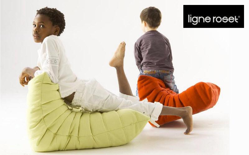 Ligne Roset Pouff para niño Sillas para niño El mundo del niño Dormitorio infantil |