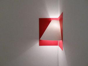 WELL WELL DESIGNERS - pop up - Lámpara De Pared