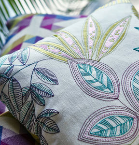 Prestigious Textiles - bali - Cojín Cuadrado
