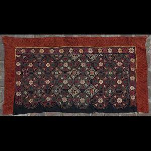 Expertissim - partie de tenture brodée mongole - Recubrimiento Textil