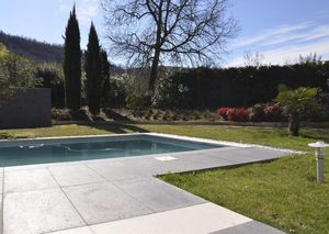 Rouviere Collection -  - Borde Perimetral De Piscina
