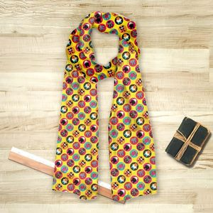 la Magie dans l'Image - foulard héros pattern jaune - Fulard