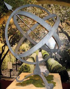Jardinieres & Interieurs - astrolabe - Ornamento De Jardín