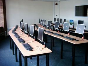 I-Desk Solutions - i-classic - Mueble Para Ordenador