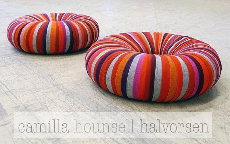 CAMILLA HOUNSELL HALVORSEN Cuscino da pavimento Sgabelli e pouf Sedute & Divani  |