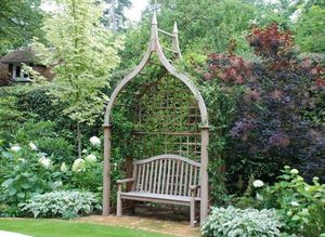 Panca da giardino coperta