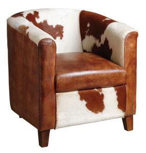 Aubry-Gaspard - fauteuil club en cuir et peau de vache - Poltrona