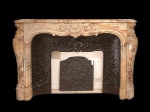 Abj Cheminees Anciennes - cheminée régence, marbre sarrancolin - Camino Con Focolare Chiuso