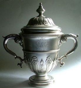 ALASTAIR DICKENSON - an important george ii cup and cover - Coppa Decorativa