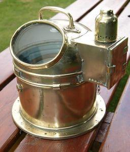 La Timonerie Antiquités marine -  - Lanterna