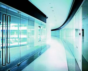 GLASSOLUTIONS France - clip in light - Vetrinetta Di Separazione