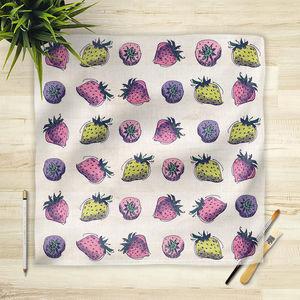 la Magie dans l'Image - foulard fraises motif - Foulard Quadrato