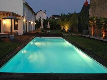 CARON PISCINES - bassin de nage avec escalier toute large - Piscina Tradizionale
